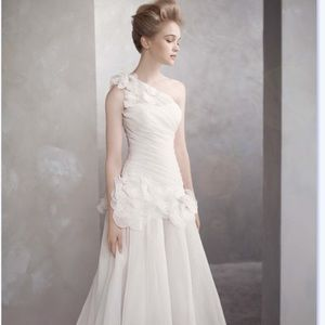 8ad5cd7f6c1b Women Mermaid Wedding Dresses Vera Wang on Poshmark